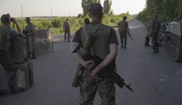 Ukraine claims capture of 10 Russian soldiers