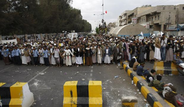 Yemen: More Houthis killed in Sana'a protests as fighting intensifies in north