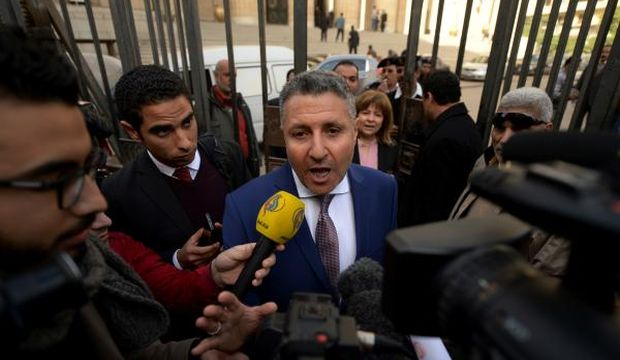 Egyptian court orders retrial of Al Jazeera journalists