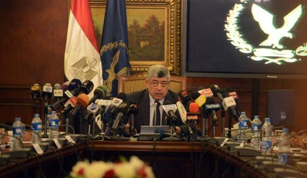 Sisi replaces interior minister in reshuffle