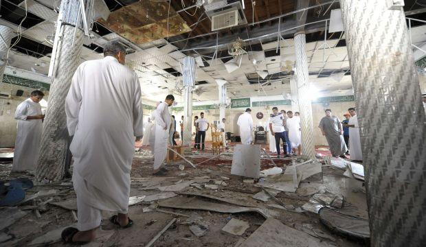 Saudi Arabia: Suicide bomber targets Qatif mosque