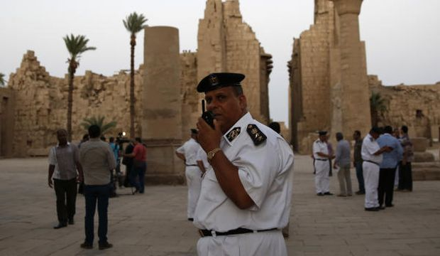 Suicide bomber attacks tourist site in Luxor, four Egyptians wounded