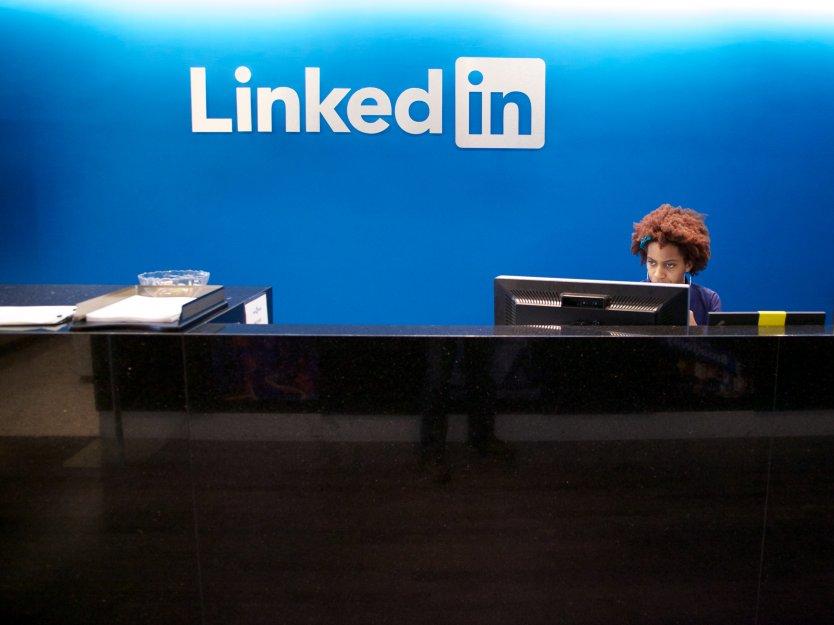 Investors Concerned as LinkedIn Shares Plunge 35 Pct