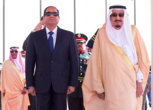 Egyptian President Abdel Fattah al-Sisi was greeted in Riyadh by King Salman bin Abdulaziz on March 1, 2015 (SPA)