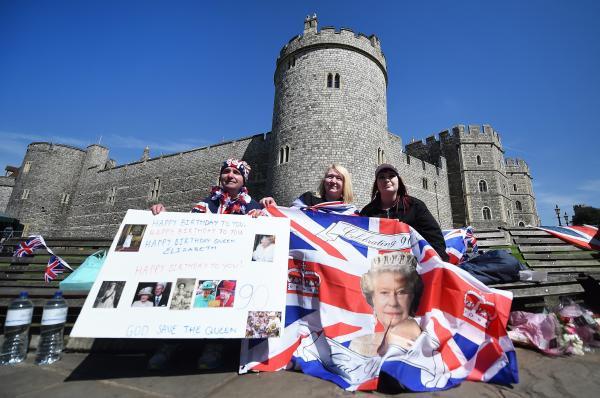 Singers, Actors, Riders to Honor Queen Elizabeth in Birthday Parade