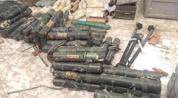 Huge Arms at al-Qaeda's Dens in al-Mukalla, Confirming Plans to Establish Emirate
