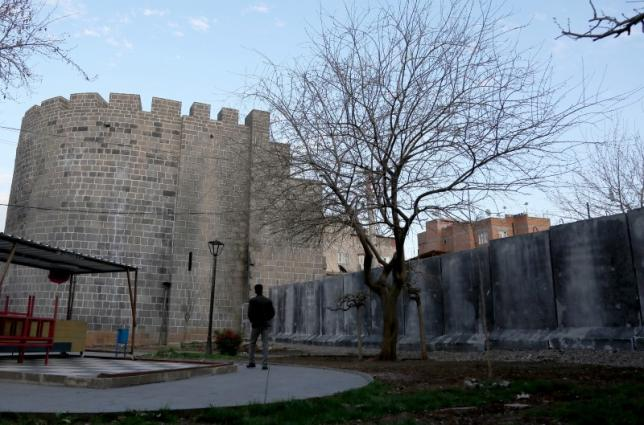 Turkish Writer Quits UNESCO to Protest Damage to Heritage, Rights Abuse