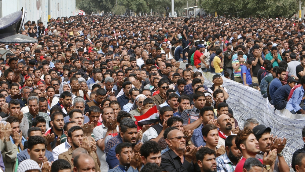 Sadrists Take Hammers Instead of Roses to Protests in Baghdad