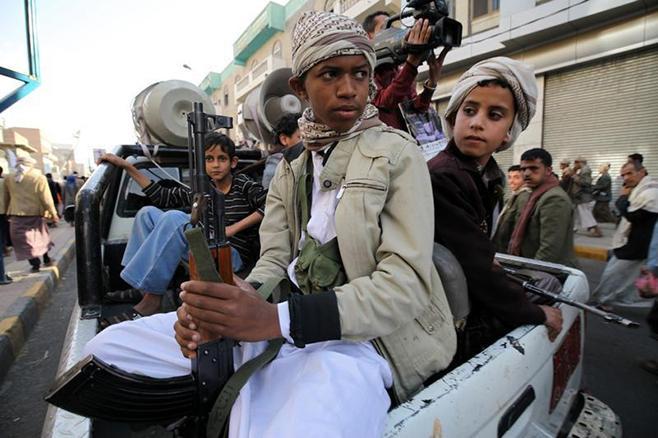 Arab Coalition Hands over 52 Yemeni Children Recruited by Militias