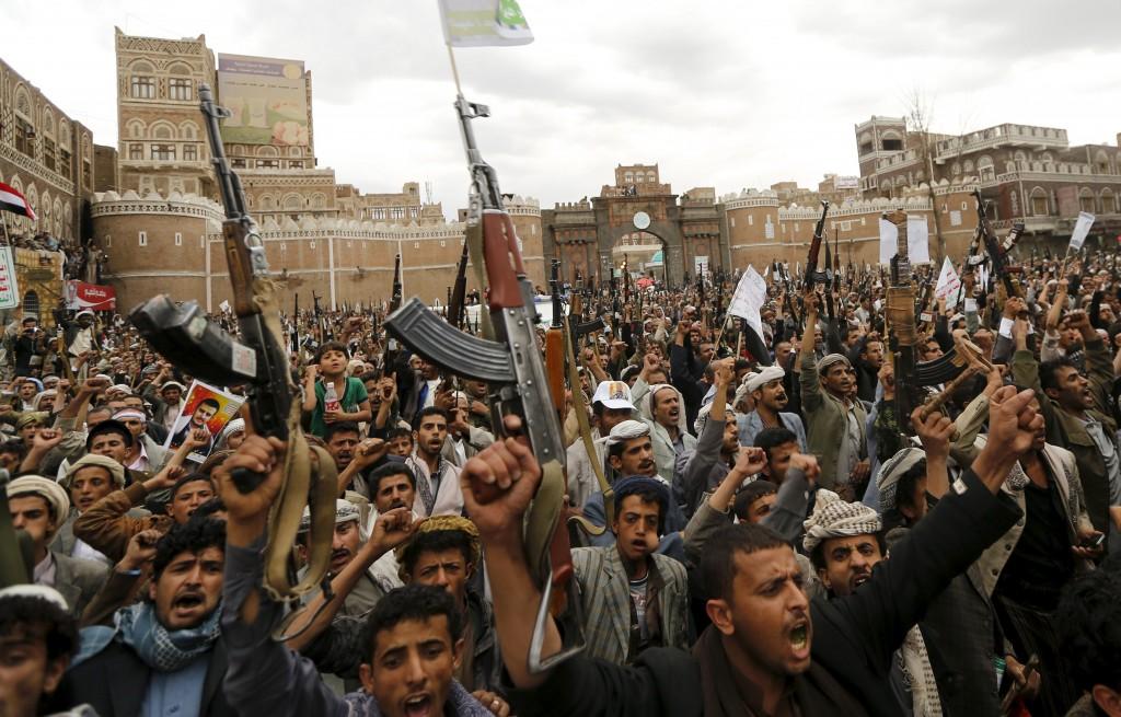 Dhamar's Merchants Pay Houthi Militia $800,000 in Name of Zakat