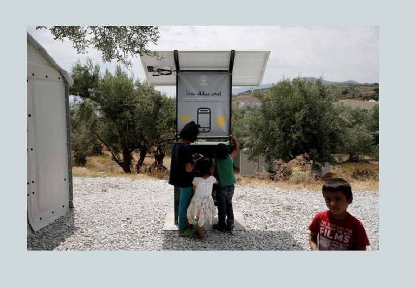 Sun-Powered Phone Charger Gives Migrants in Greece Free Electricity