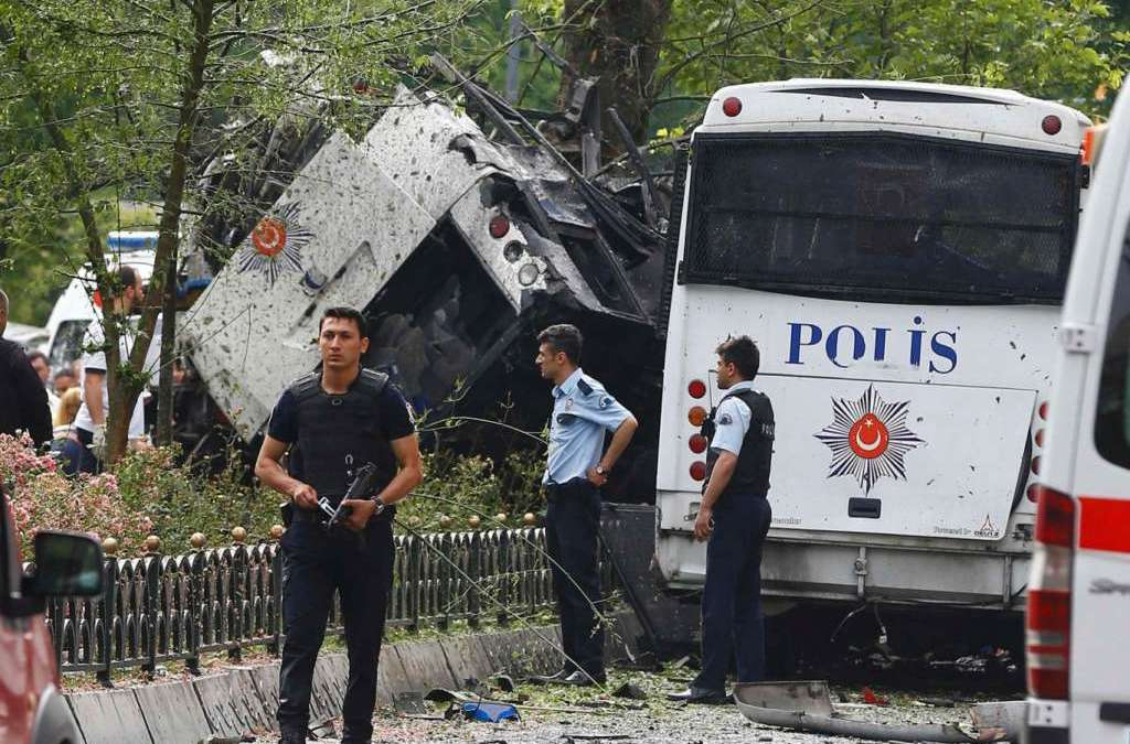 Bomb Attack Targets Police Vehicle in Istanbul; 11 Killed