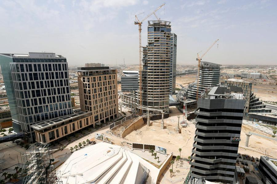 Land Fees Cause Drop in Saudi Real Estate Market