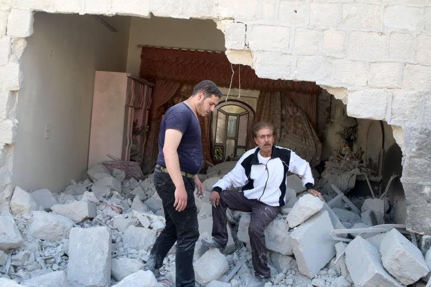 'Aleppo's Regime' Falls Apart, Russia Carries out Strikes to Prevent its Collapse