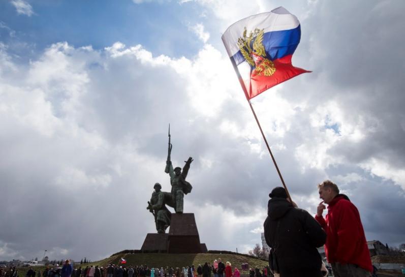 Russia Accuses Ukraine of Armed Crimea Incursion, Says Two Killed