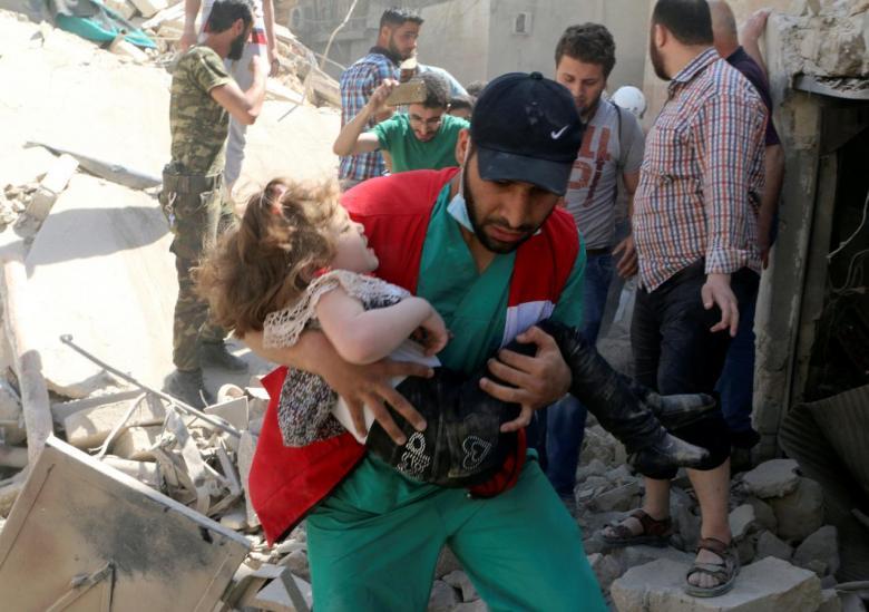 Pro-Regime Airstrikes Shut Aleppo Hospital, Cut Water Supply