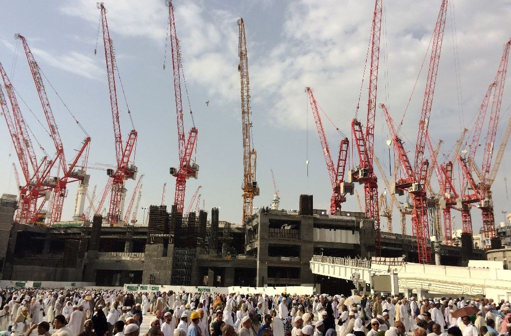 Custodian of the Two Holy Mosques Keen on Completion of Masjid Nabawi Expansion