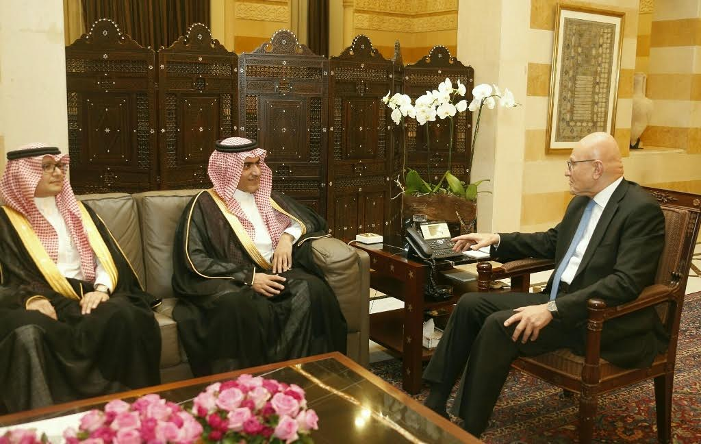 Lebanon's Cabinet Holds Last Session, Saudi Delegation in Beirut ahead of Presidential Polls