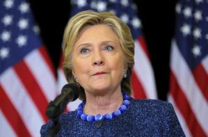 U.S. Democratic presidential nominee Hillary Clinton holds an unscheduled news conference to talk about FBI inquiries into her emails after a campaign rally in Des Moines, Iowa, U.S. October 28, 2016. REUTERS/Brian Snyder/File Photo