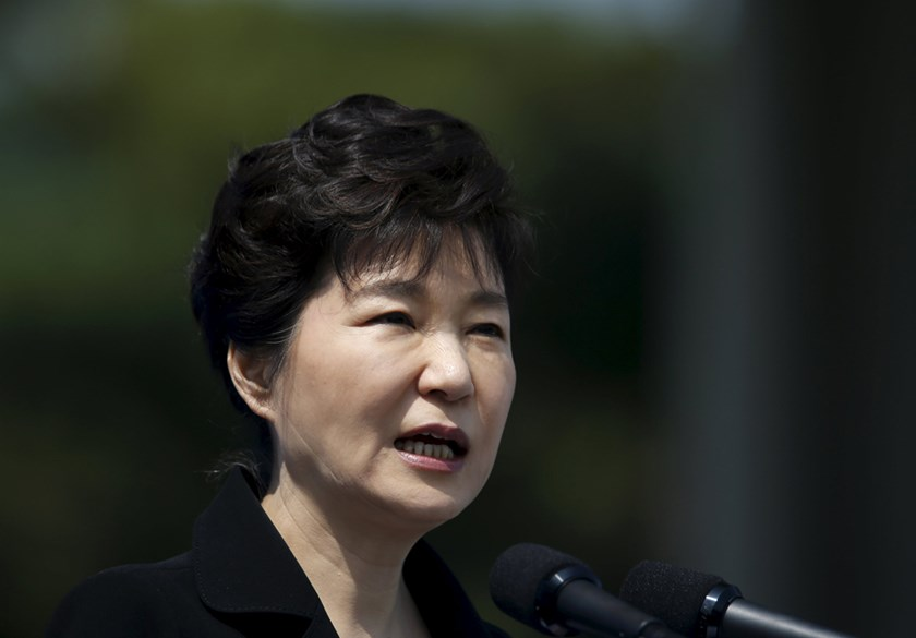S. Korea President Says Willing to Leave Office Early, Opposition Cries Foul