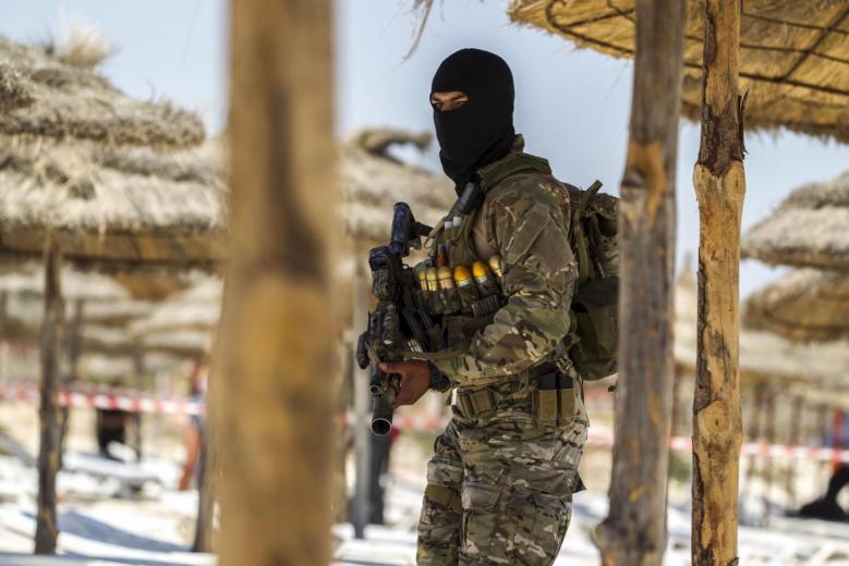 Tunisia Captures Three Arms Caches near Libya Border
