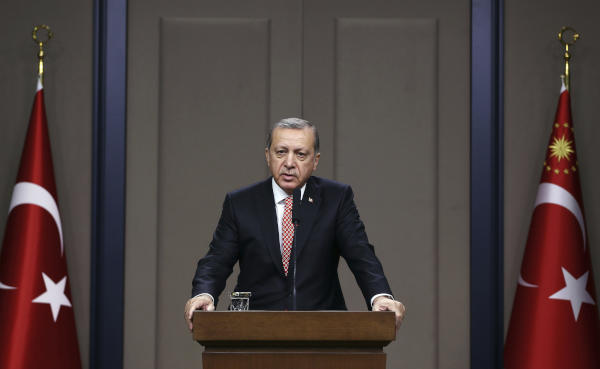 Erdogan: We Have Evidence That US-led Coalition is Supporting Terrorist Groups