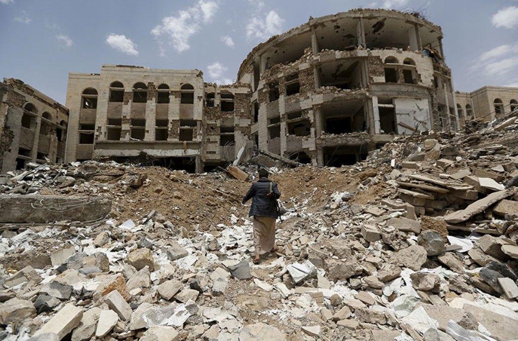 Yemen: Military Insurgency Officers Leave Sanaa to Join the Legitimacy