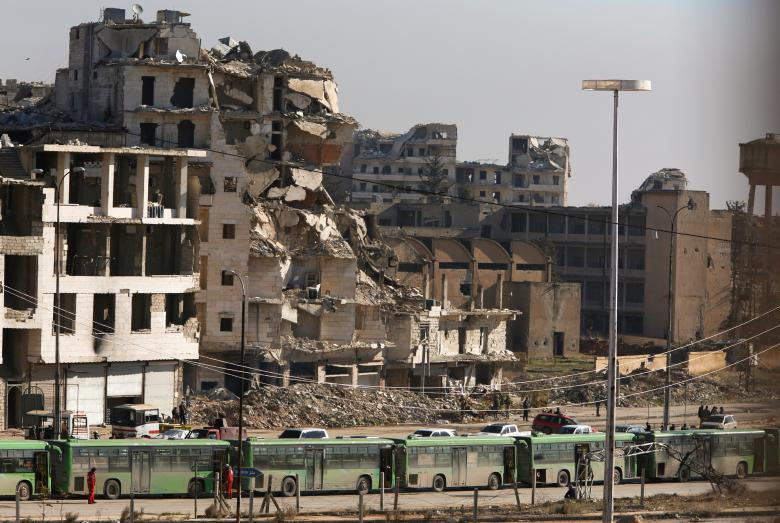 Red Cross Urges all Sides in Aleppo to Resume Evacuation