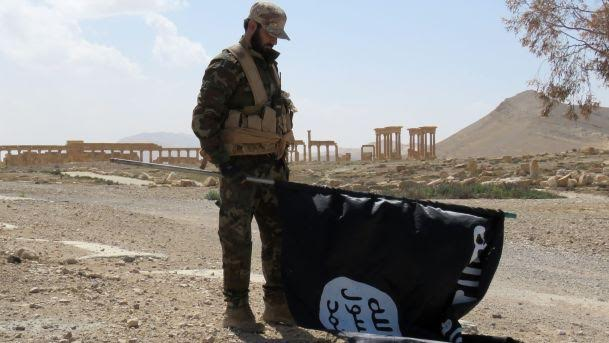 Eastern Aleppo is Dying…ISIS in Palmyra Again