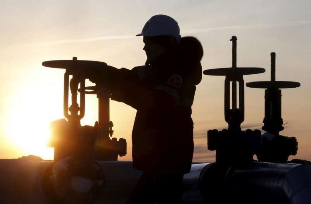 OPEC to Meet Non-OPEC Producers on Dec. 10 in Vienna