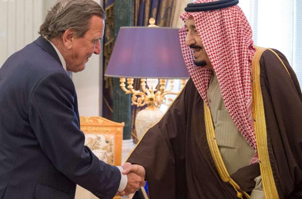 Saudi King Receives Former German Chancellor
