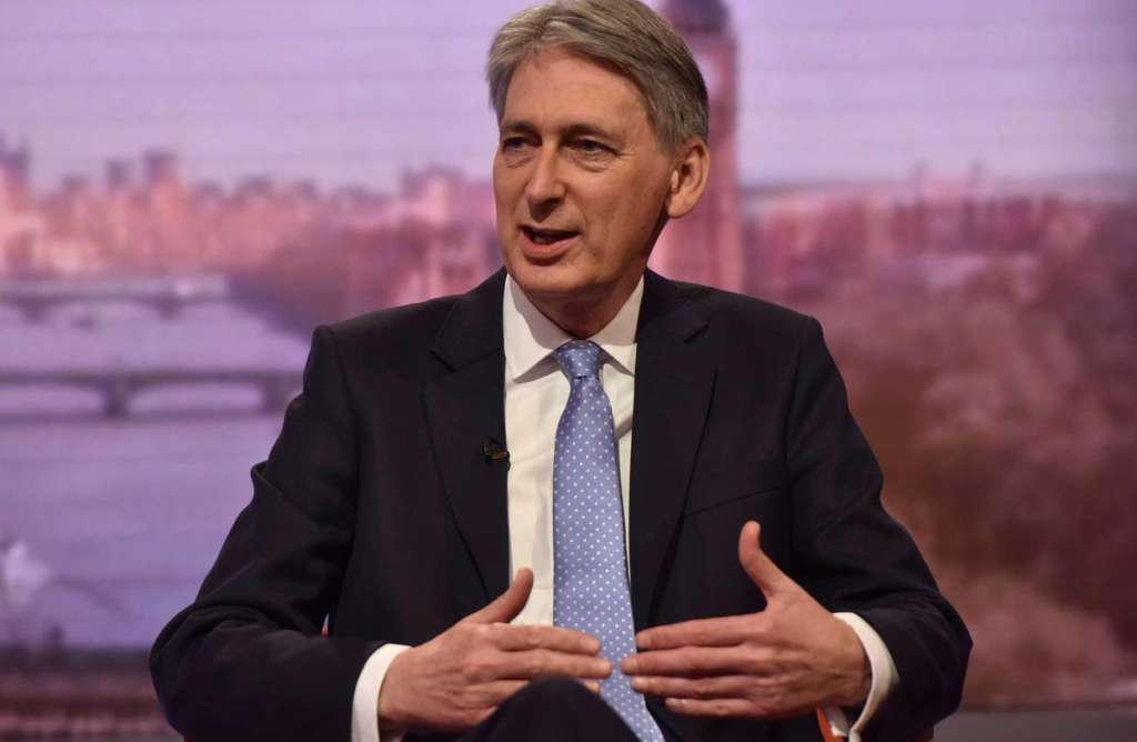 Hammond Blames Blair Government for High Immigration Rate