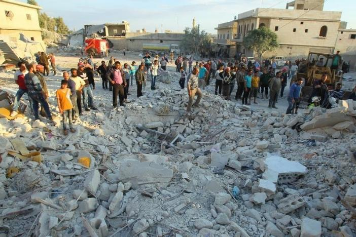 Air Strikes on Idlib Kill at Least 25