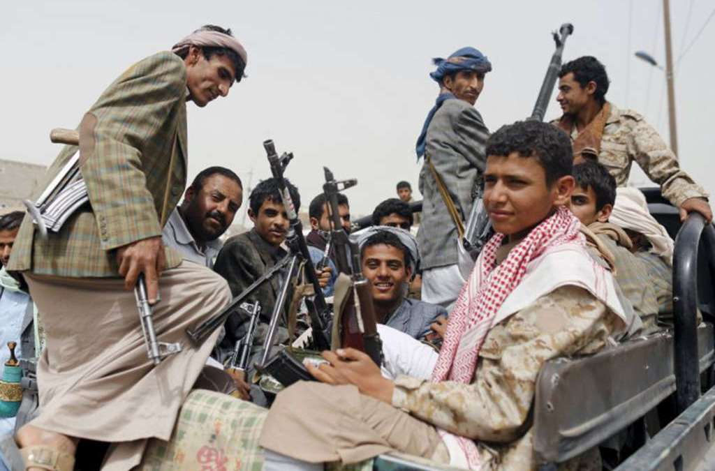 Tribes Surrounding Sana'a Contact Army for Coordination