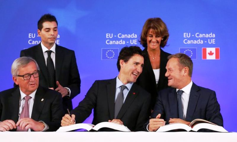 Canadian PM Urges European Union to Approve CETA