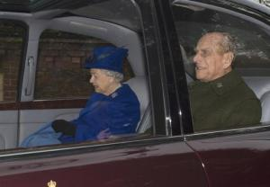 Britain's Queen Elizabeth and her husband Prince Philip leave after a service at St. Mary Magdalene church in Sandringham, Britain January 8, 2017. REUTERS/Alan Walter