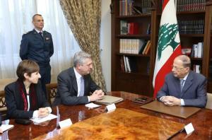Lebanon's President Michel Aoun (R) meets with United Nations High Commissioner for Refugees Filippo Grandi at the presidental palace in Baabda, Lebanon, February 3, 2017. Dalati Nohra/Handout via Reuters