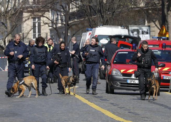 Paris IMF Letter Bomb Injures One Employee