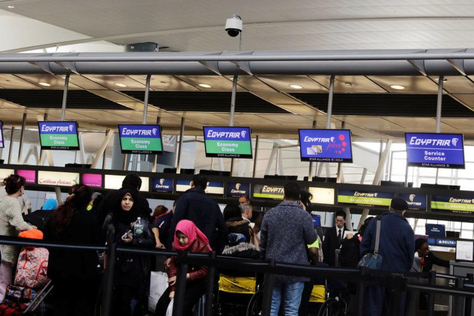 Ban of Electronics on Flights Bewilders Companies, Travelers