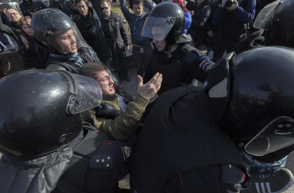 Police Detain Dozens at Opposition Rally in Moscow