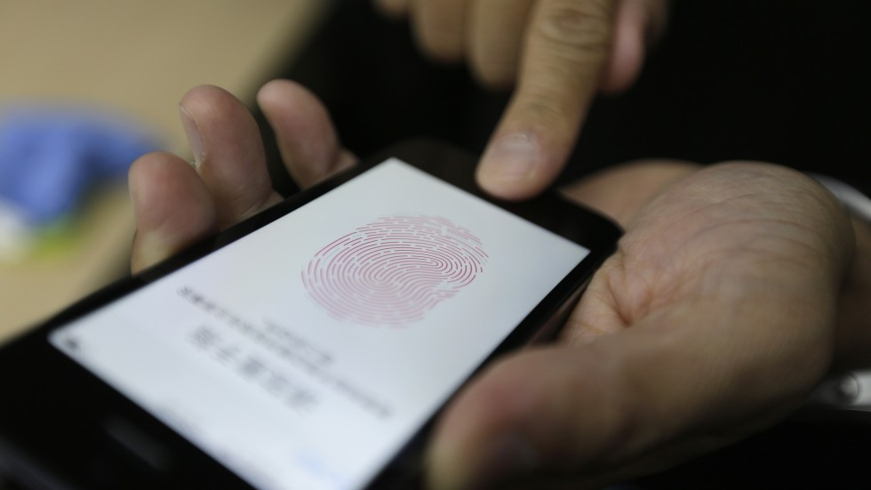 Smartphone Fingerprint Sensors Not as Secure as Thought