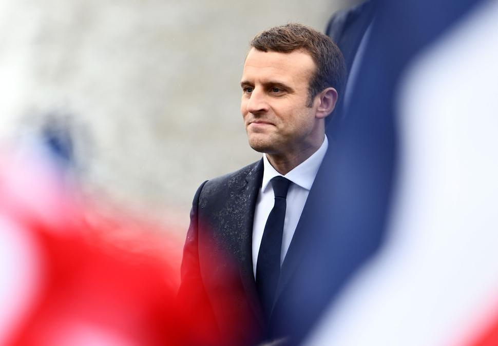 Macron Delays Announcing New French Govt. to Wednesday