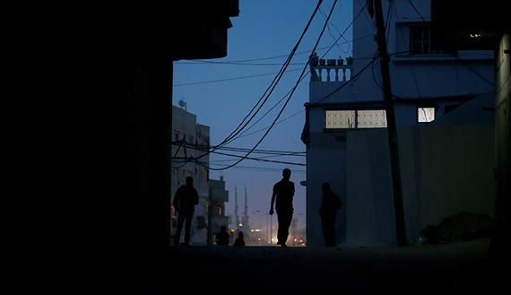 Hamas Threatens to Drag Gaza into Confrontation as a Response to Abbas' Stringent Measures
