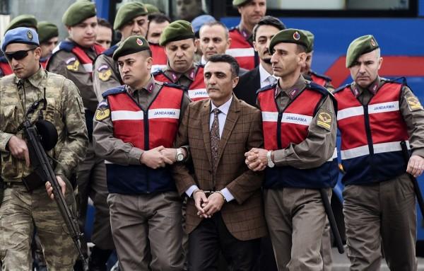 Turkey Sacks over 4,000 Judges Linked to Failed Coup