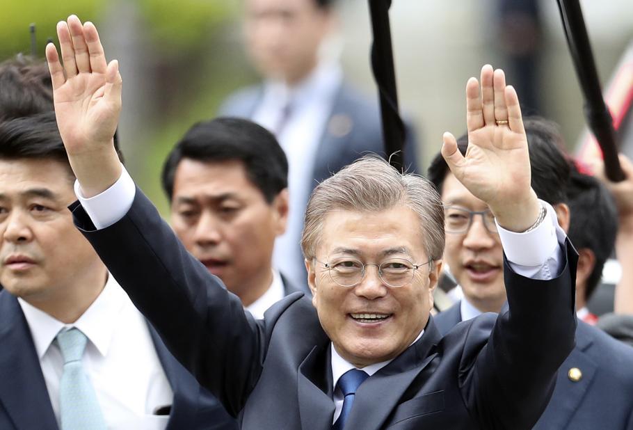 New South Korea President Moon, Trump Agree on Close Cooperation on N. Korea