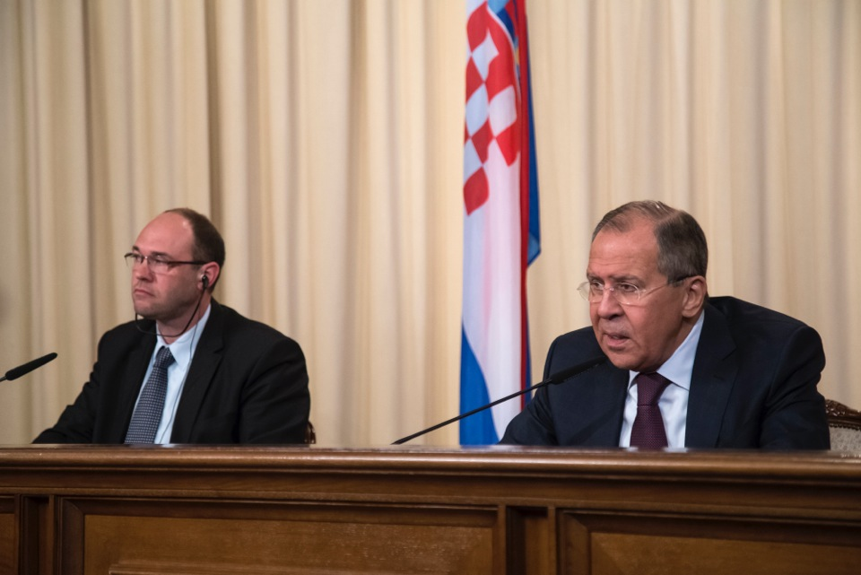 Lavrov Urges Participation of All Parties in Solving Syria Crisis