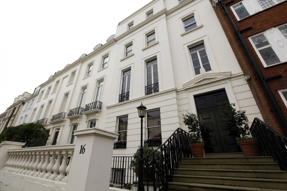UK House Prices in First Quarterly Fall Since 2012