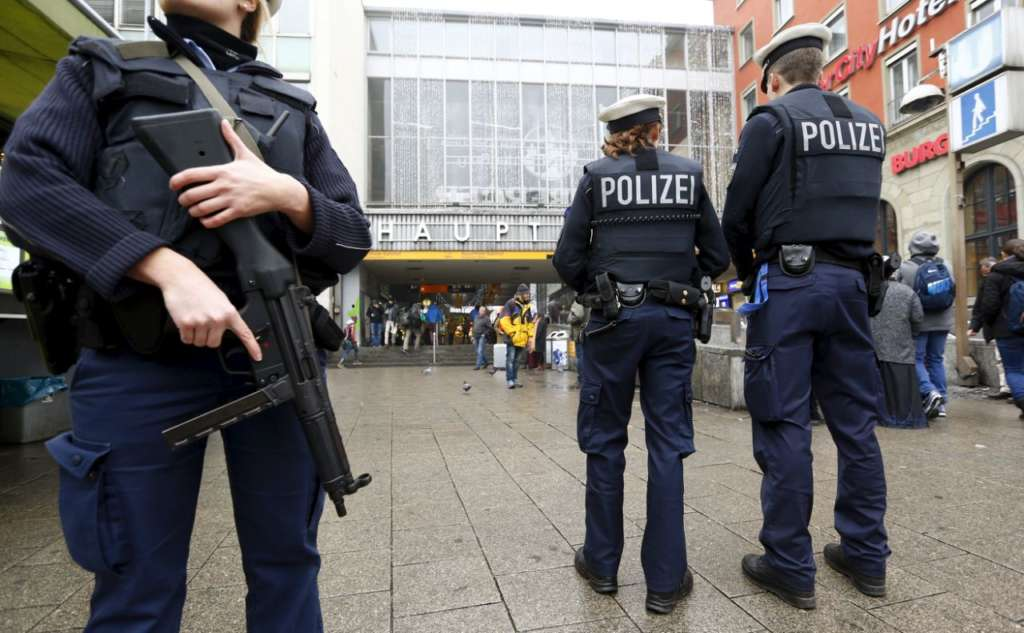 One Dead, Several Wounded in German Supermarket Knife Attack