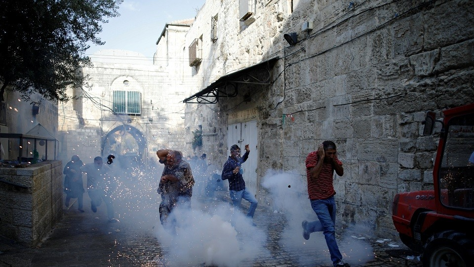 Dozens Injured in Clashes Outside Aqsa Mosque