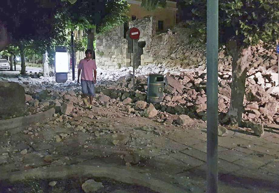 Two People Killed in Strong Quake Off Turkish and Greek Coasts